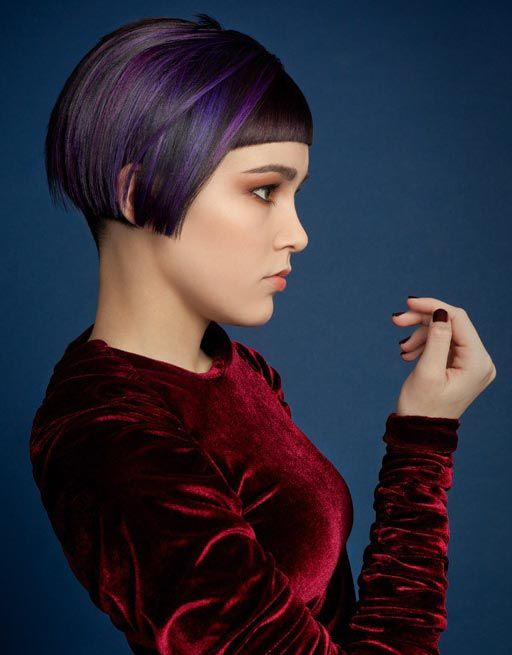 The 25 Top Graduated Bob Hairstyle 2014 : Very Short Graduated Bob Haircut With Blonde Highlight For Simple Women