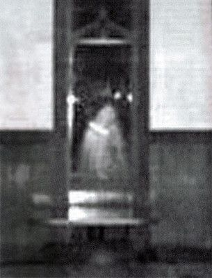 Decebal Hotel Ghost - 22 Pictures of Real Ghosts That'll Scare The Sh*t Out Of You | Complex