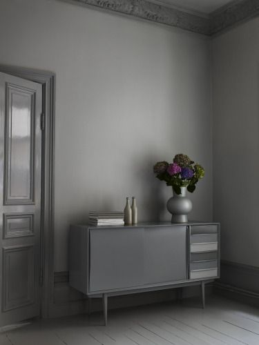 Ok this might be taking the grey to a dangerous limit, but how much fun would it be to dress it all up with splashes of colour? By stylist Camilla Krishnaswamy #interior #grey #color