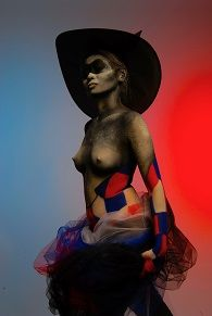 Body Statue in French flague <3 Bodypainting art..in Paris
