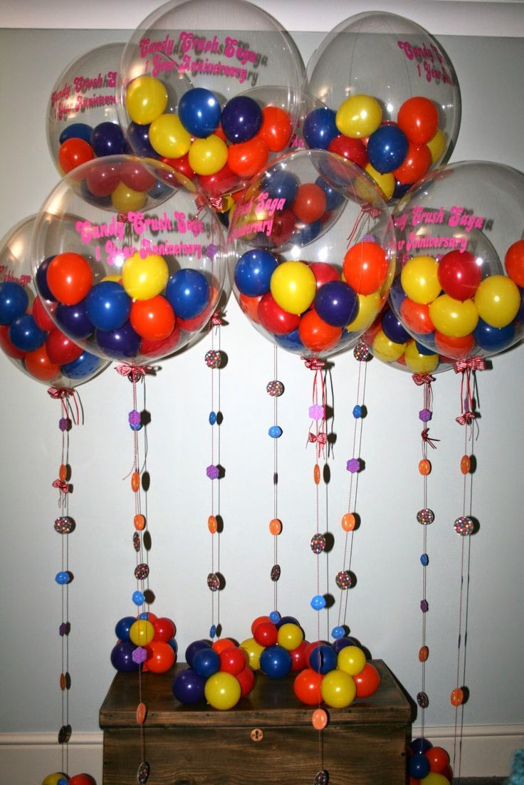 Gum drop balloons make for colorful balloon centerpieces.