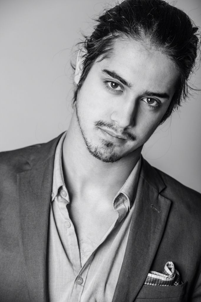 "Dijon Paris ""Ozzie"" Oswald, Age 23, Caste Five, Assistant Theatre Instructor [FC: Avan Jogia]"
