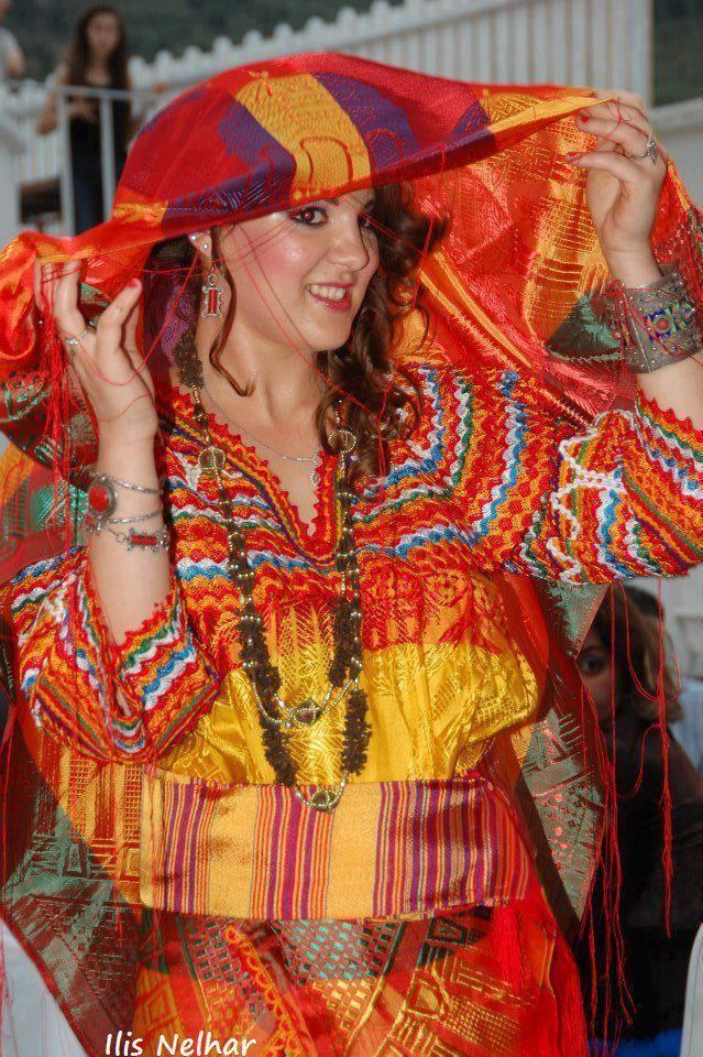 Mimouni :Tamazighte invente la mode :Caftan et Costume de tamazighte la Femme