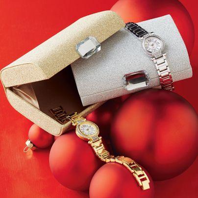 ¡Con este elegante juego de reloj y cartera estamos listas para las fiestas de Navidad! Disponible en Campaña 25.