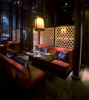 Hakkasan resturant in Abu Dhabi has specified American red oak for its carved wooden lattice screens adding luster to the luxurious interior of the high-class restaurant. They have the same restuarant in London
