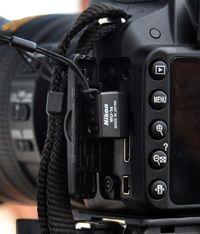 Cum se instaleaza si se configureaza adaptorul wireless WU-1a pentru Nikon D3200 si care sunt optiunile puse la dispozitie de catre aplicatia WMAU.