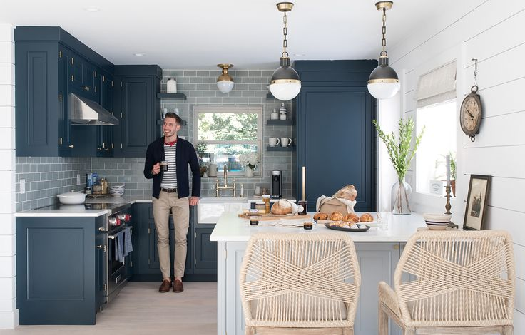 NYC-based lifestyle blogger, Will Taylor, shares the reveal of his beach house kitchen makeover with before & after photos to show the full transformation.