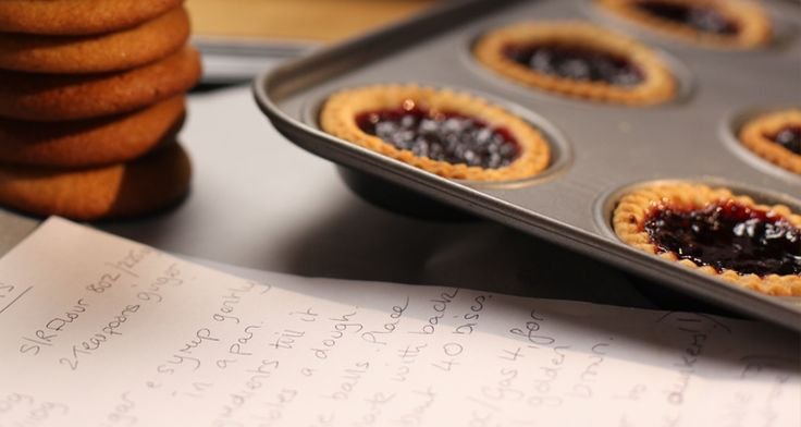 These Jam Tarts are an awesome dessert option for any picnic. http://gustotv.com/recipes/dessert/pauls-mums-jam-tarts/