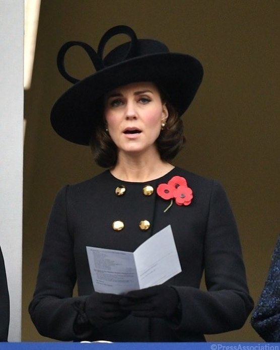 Kate at Remembrance Sunday in London. Looks like a new haircut