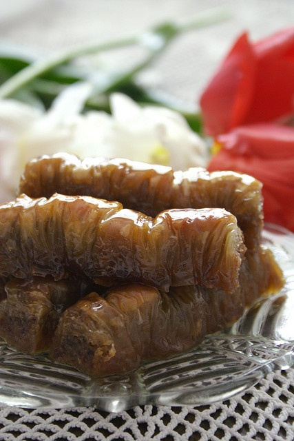 Oblanda Rol - Macedonian Chocolate, Fruit and Nut Roll Baklava