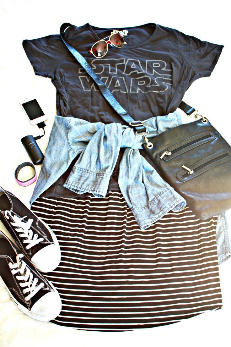 What to wear to Disney. Star Wars themed outfit. Perfect for Hollywood Studios or any of the parks!