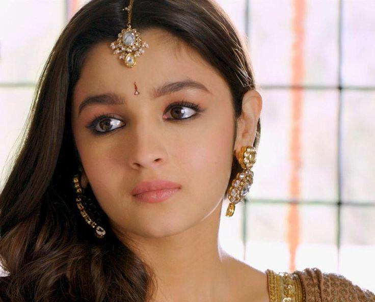 angel-cine:    Humpty Sharma Ki Dulhania (2014)