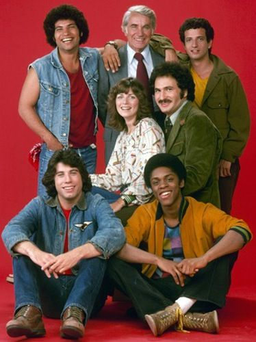 "The Cast of 'Welcome Back, Kotter' John Travolta (Vinnie Barbarino), Lawrence Hilton Jacobs (Freddie ""Boom Boom), Marcia Strassman (Julie Kotter), Gabe Kaplan (Gabe Kotter), Robert Hegyes (Juan Epstein). John Sylvester White (Mr. Michael Woodman) & Ron Palillo (Arnold Horshack) 1975-1976"