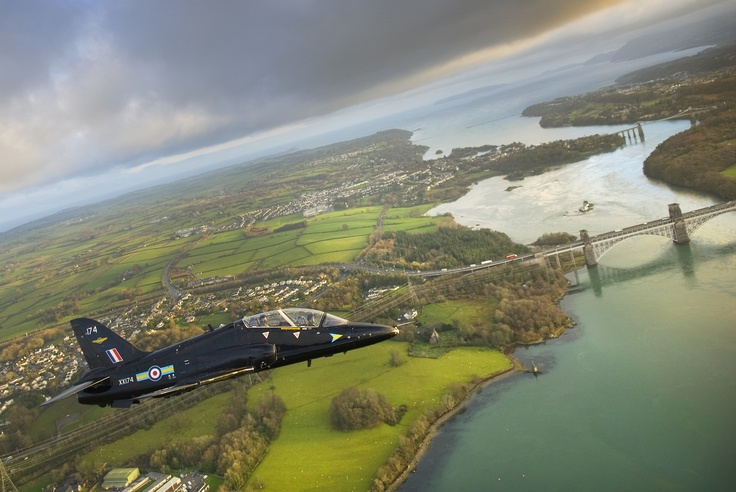 A Hawk of 208 Squadron at RAF Valley taken by Corporal Paul Oldfield of the RAF Valley Media Flight in 2011 #Anglesey #RAF