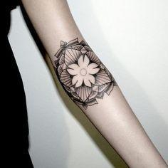 Jasmine Flower Tattoos on Pinterest | Jasmine Tattoo Apple Blossom ...