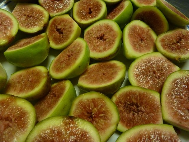 Roasted Figs with #Grappa Mascarpone Cream >> Mmm...luscious