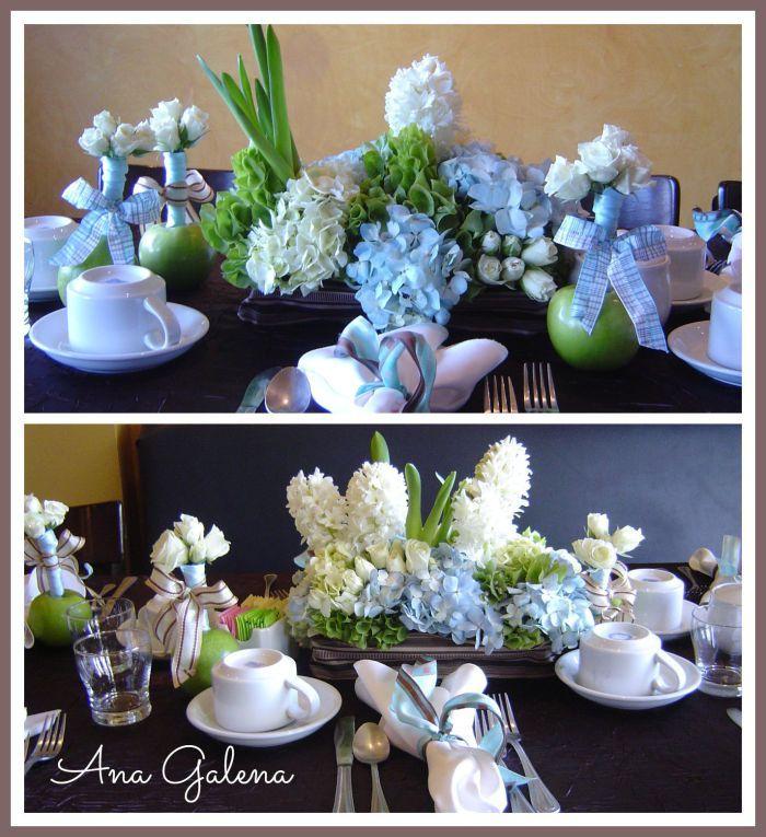 Centro de mesa con toques de hortensia azul