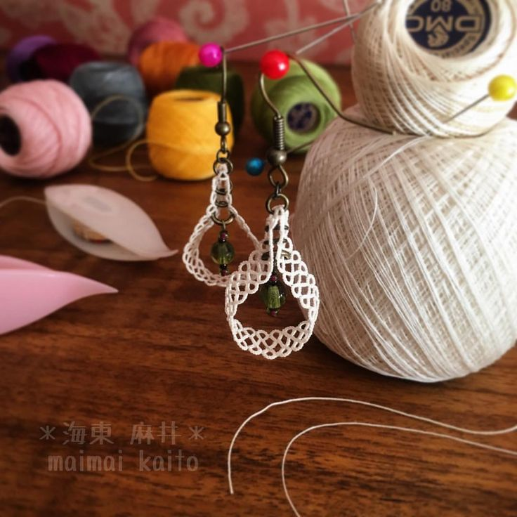 #tatting #lace #handmadejewelry #finethread #handmade #earrings #yarn #drop…