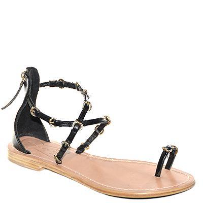 #Sandalo basso fondo cuoio con cinturino che lega l'alluce realizzato in pelle nera di #Suite159  http://www.tentazioneshop.it/scarpe-suite-159/sandalo-s14114-nero-suite-159.html