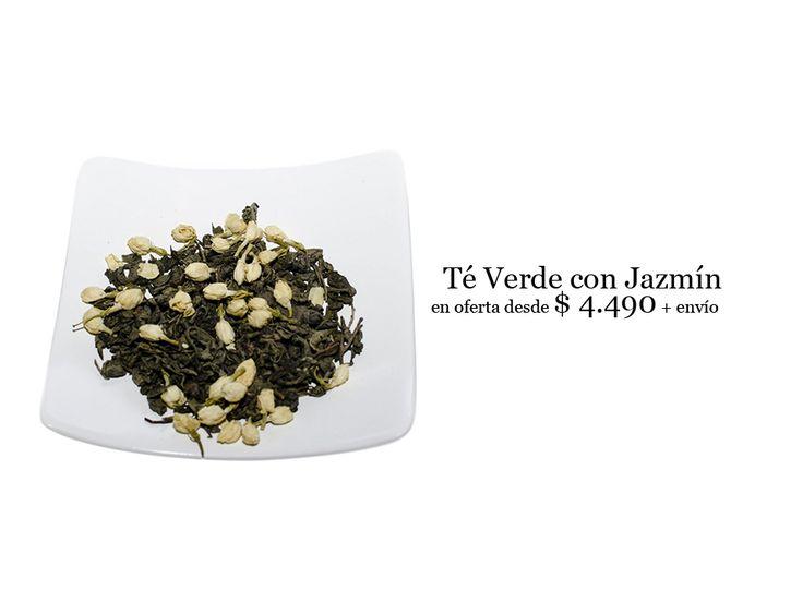 Pequeños botones de jazmín acompañando al té verde excelente combinación para acompañar una tarde de relajo.  Puedes encontrarlo en http://tiendadete.cl/producto/te-verde-con-botones-de-jazmin/  Recuerda que ahora puedes pagar con Webpay, Khipu y transferencia bancaria !