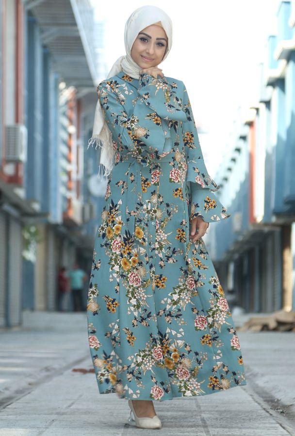 Yazlik Sik Ve Ozel Tesettur Cicekli Elbise Modelleri Moda Tesettur Giyim Cicekli Elbise Elbise Modelleri Elbise