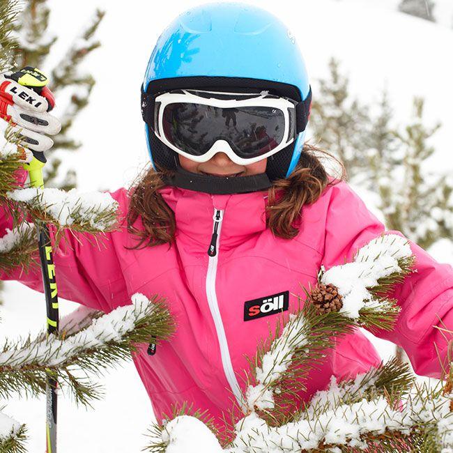 Söll, specialists in skiwear for children and young people. Söll especialistas en ropa de esquí para niños y gente joven.