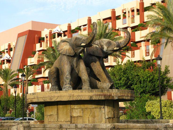 Rotonda De Los Elefantes Benalmádena Elefantes Estatuas Rotonda