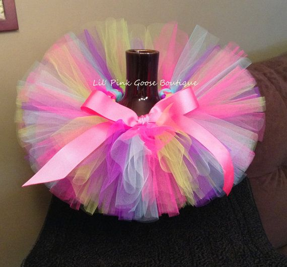 love the colors and the big bow! BIRTHDAY GIRL Tutu, Birthday Tutu, Colorful Tutu, Rainbow Tutu, Infant Tutu, Tutus for Children, Newborn Tutu, 1st Birthday Tutu, Tutu