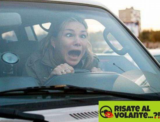 Donne al volante, pericolo costante ...  anche loro hanno paura!  #donne #paura #guida #volante #auto #donnealvolante #pericolo #costante #pericolocostante #risate #divertimento #lol #fear #drive #woman #car
