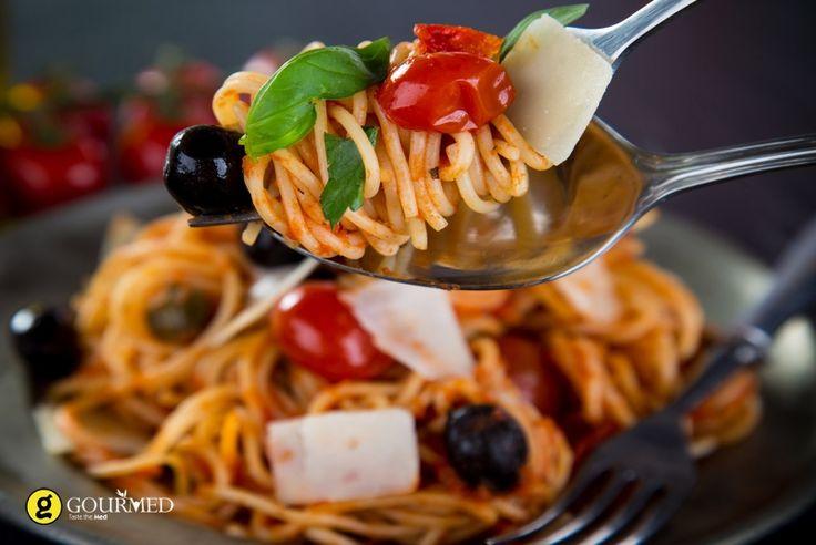 Σπαγγέτι πουτανέσκα - Spaghetti alla Puttanesca - gourmed.gr