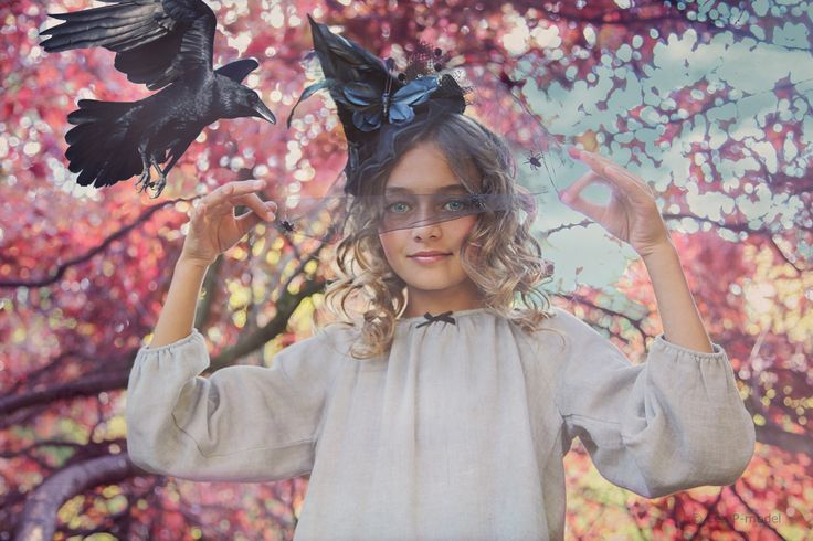Léa P for Marilyn Tov - Happy Halloween - Dress EDITH gray with black bow - photo by Wanda Kujacz