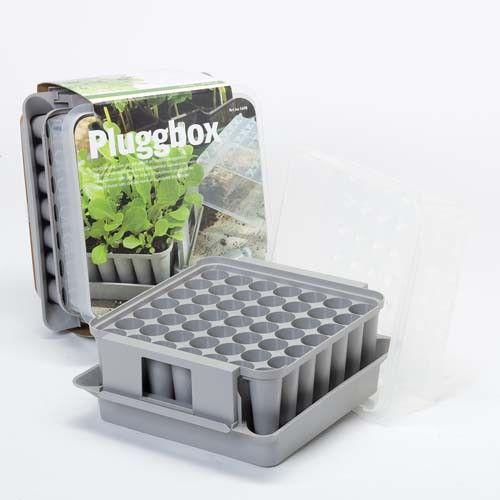 Pluggboxen är ett kompakt minidrivhus som gör det möjligt att odla hela 49 pluggplantor med djupa och fina rotsystem