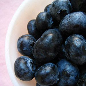 How to Make Blueberry Puree for Babies