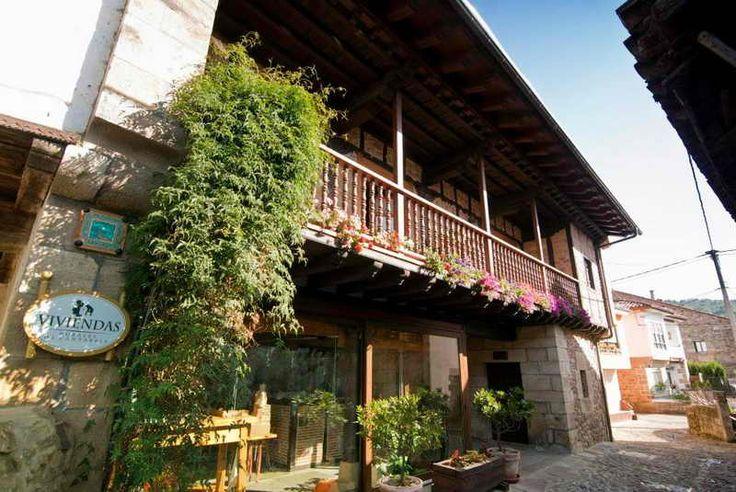 Apartamentos Rurales Pedredo. Se encuentran en Pedredo,Arenas de Iguña, Cantabria Apartamentos rurales en Arenas de Iguña Situados en una típica c