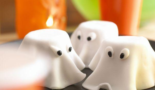 Pour Halloween, les enfants se costument pour faire peur aux gens -et surtout demander des friandises. Ces petits gâteaux d'Annabel Karmel, en revanche, ont un autre effet: ils font frémir d'envie.