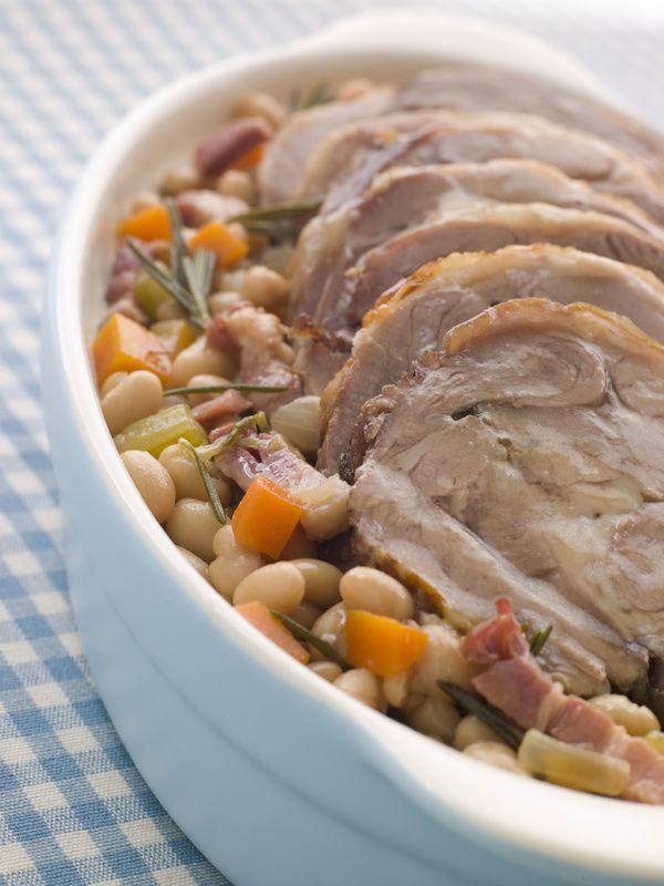 """Epaule d'agneau braisée. Il n'y a pas que le <a href=""""/gigot-agneau.html"""">gigot</a> dans la vie !. La recette par Chef Simon."""