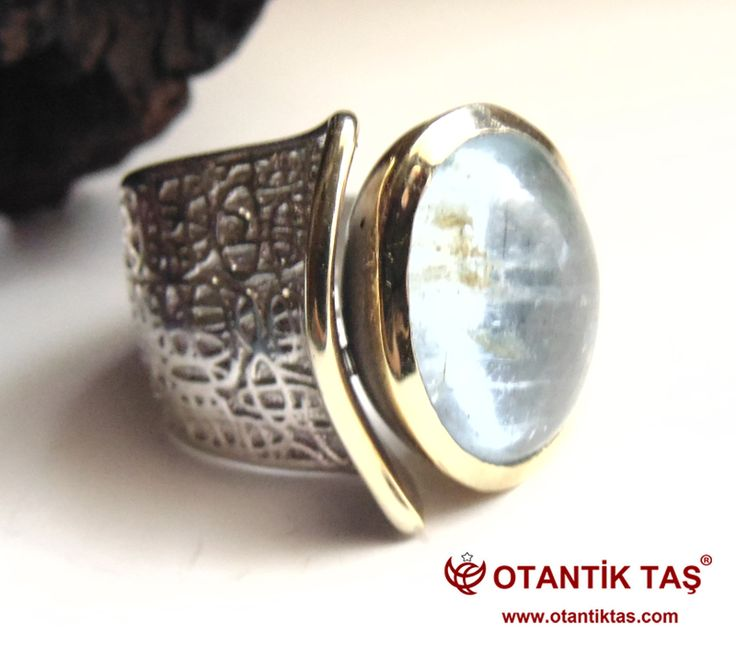 http://www.otantiktas.com/akuamarin-tasi-bayan-yuzuk.html