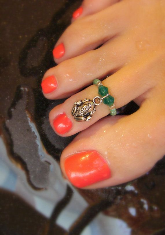Toe Ring Emerald Green Swarvoski Crystals Frog Charm Bead Toe Ring by FancyFeetBoutique, $4.25: