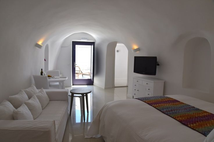 Chromata-Luxury-Hotel-Santorini-Greece-Paradise 1