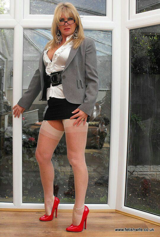 The Pantyhose Queen - Clips4salecom