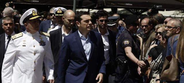 Πιερία: Γιούχαραν τον Αλέξη Τσίπρα στην κηδεία του Κωνσταν...