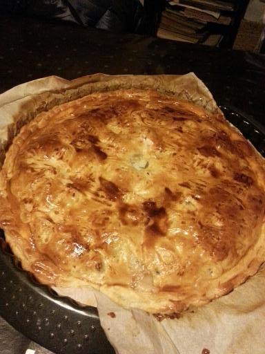 Tourte aux fruits de mer : Recette de Tourte aux fruits de mer - Marmiton Faite pour Noël, délicieuse flo Je remplace la pâte feuilletée du dessous par une pâte brisée.