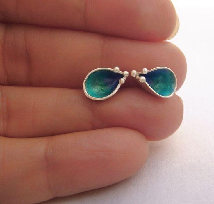 Small Blue Earrings in sterling silver and enamel by Virginia Arias. #turquoise #pendientes #silberschmuck #argent #enamelpendant #enameljewelry #colorful #daintypendants #sterlingsilver #silverjewelry