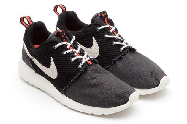 Nike Roshe Run Frayed Canvas 02.