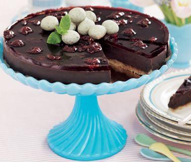 Gluten free cake with chocolate, nougat, cognac and cherries / Glutenfri nougatchokladtårta med konjak och körsbär