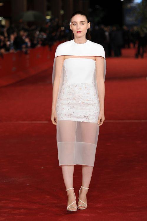 Rooney Kate Mara en robe Balenciaga par Alexander Wang de la collection printemps-été 2014 à la première de Her au Festival du film international de Rome, le 11 novembre 2013