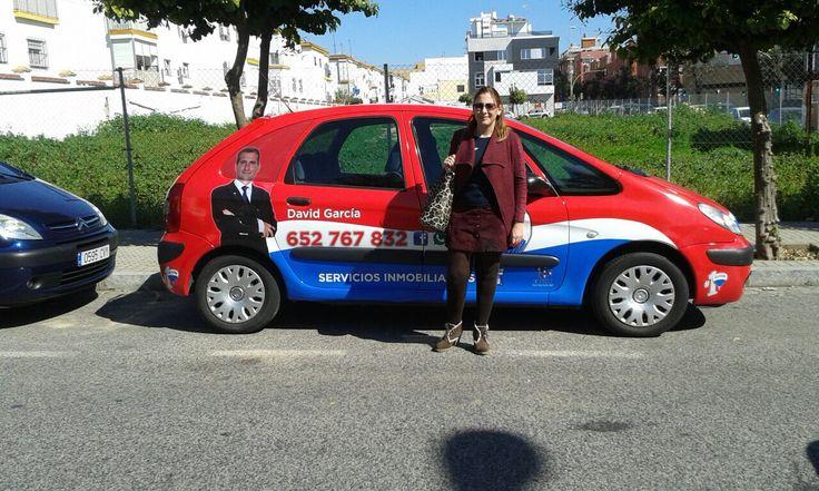 Ya perdí la cuenta de cuantos asociados se RE/MAX en Sevilla tenemos nuestro coche rotulado,... Nuestra implicación es TOTAL! Felicidades Miriam Sánchez Guerrero y David García