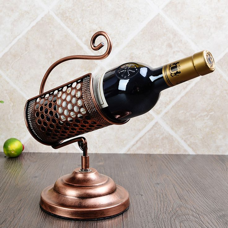 The area of European wine rack Wine shelf Vintage iron ornaments Fashion red bottle rack