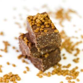 Fondue de chocolat guimauves avec bouchées caramel et sel de mer.