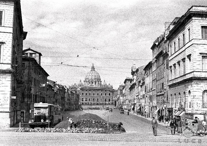 La spina di Borgo demolita fino a piazza Scossacavalli 26.08.1937